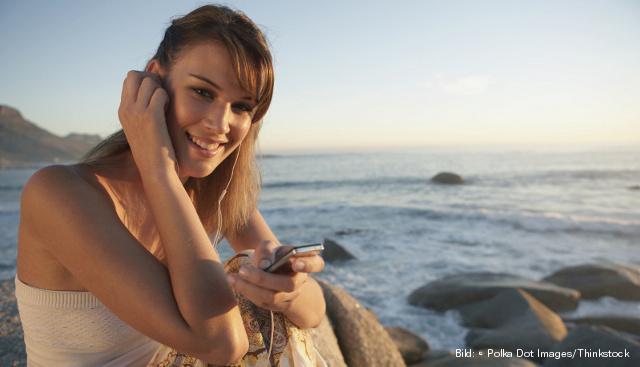 Ein günstiger Handytarif zahl sich vor allem im Ausland aus Bild: © Polka Dot Images/Thinkstock