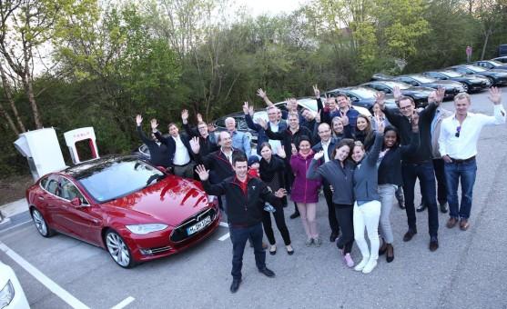 Tesla Supercharger Rallye Ankunft Feldkirchen bei München